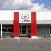 Skyltar entre Toyota